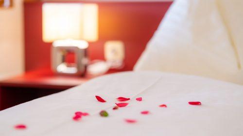 BETT DETAIL Hotel Orchidee 3000 Pixel klein Florian Mori